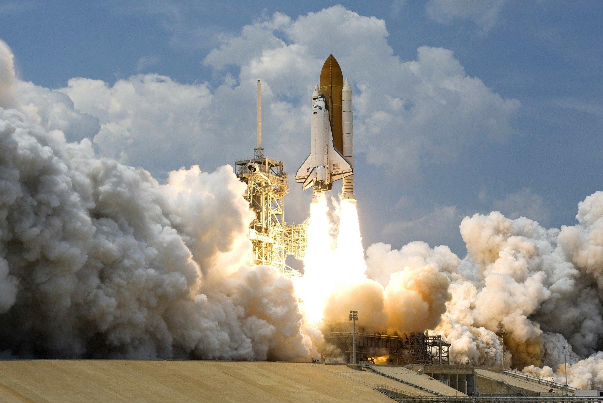 launching kloudio launch incubator jason calacanis